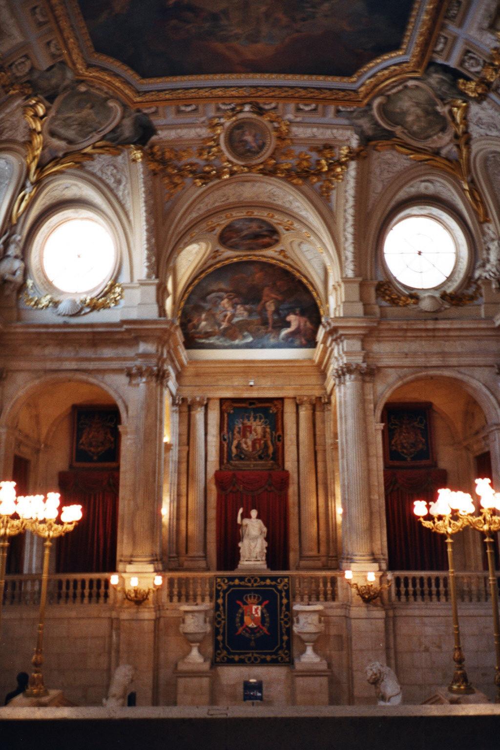 Grand Foyer Del Palacio : Palacio real de madrid sitiosturisticos