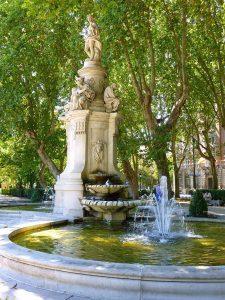 Paseo del Prado, Fuente de Apolo.