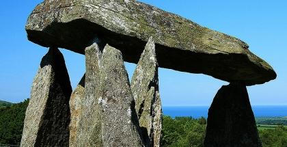 Dolmen neolítico de Pentre Ifan.