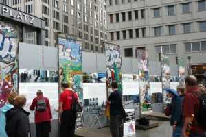 Exposición acerca del Muro de Berlín