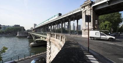 Puente de Bir Hakeim
