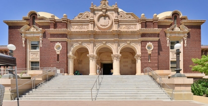 Natural History Museum of Los Angeles County - autor